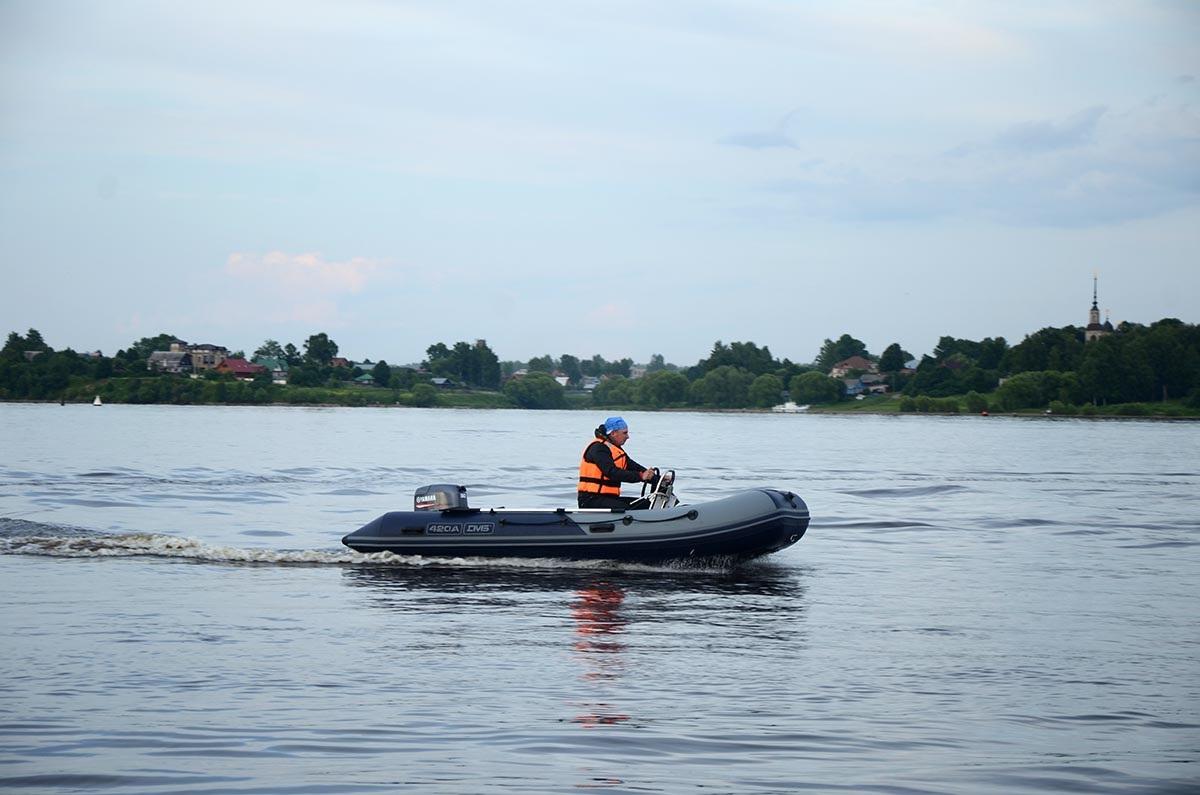 Моторная лодка ПВХ ДМБ Альфа-420