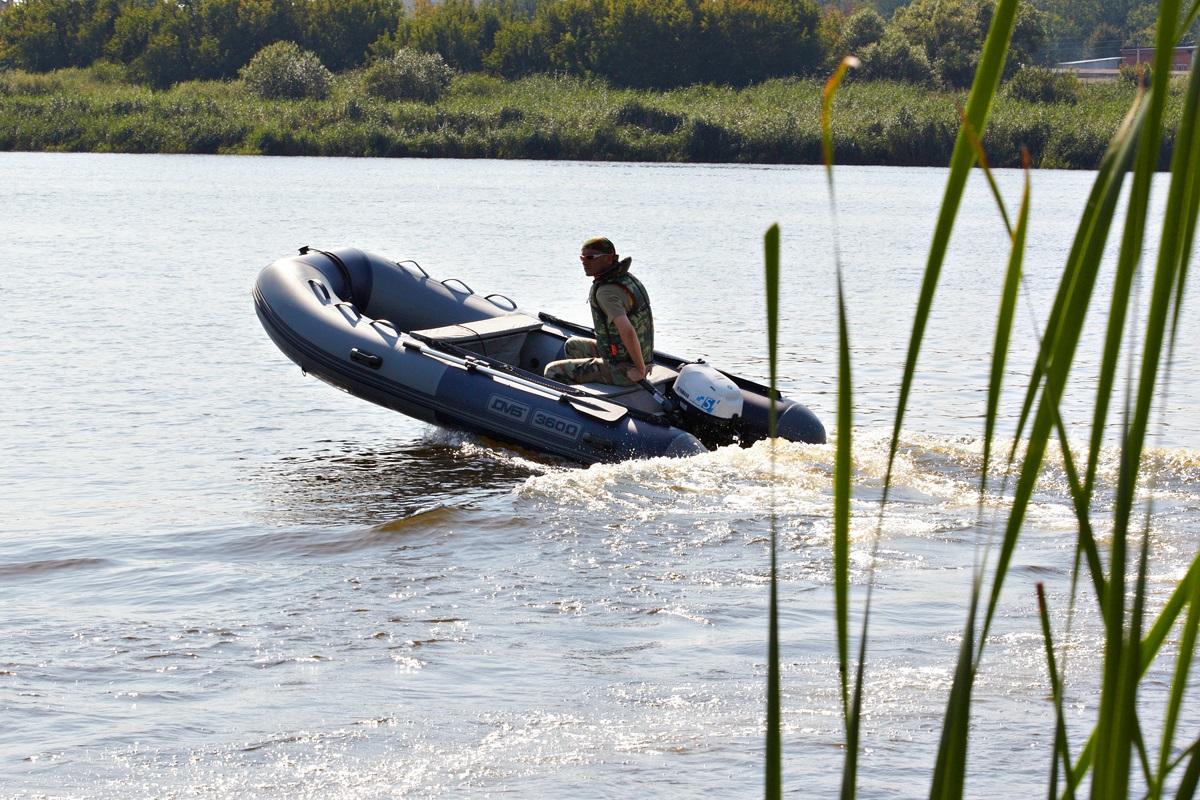 Моторная лодка ПВХ ДМБ Омега-360