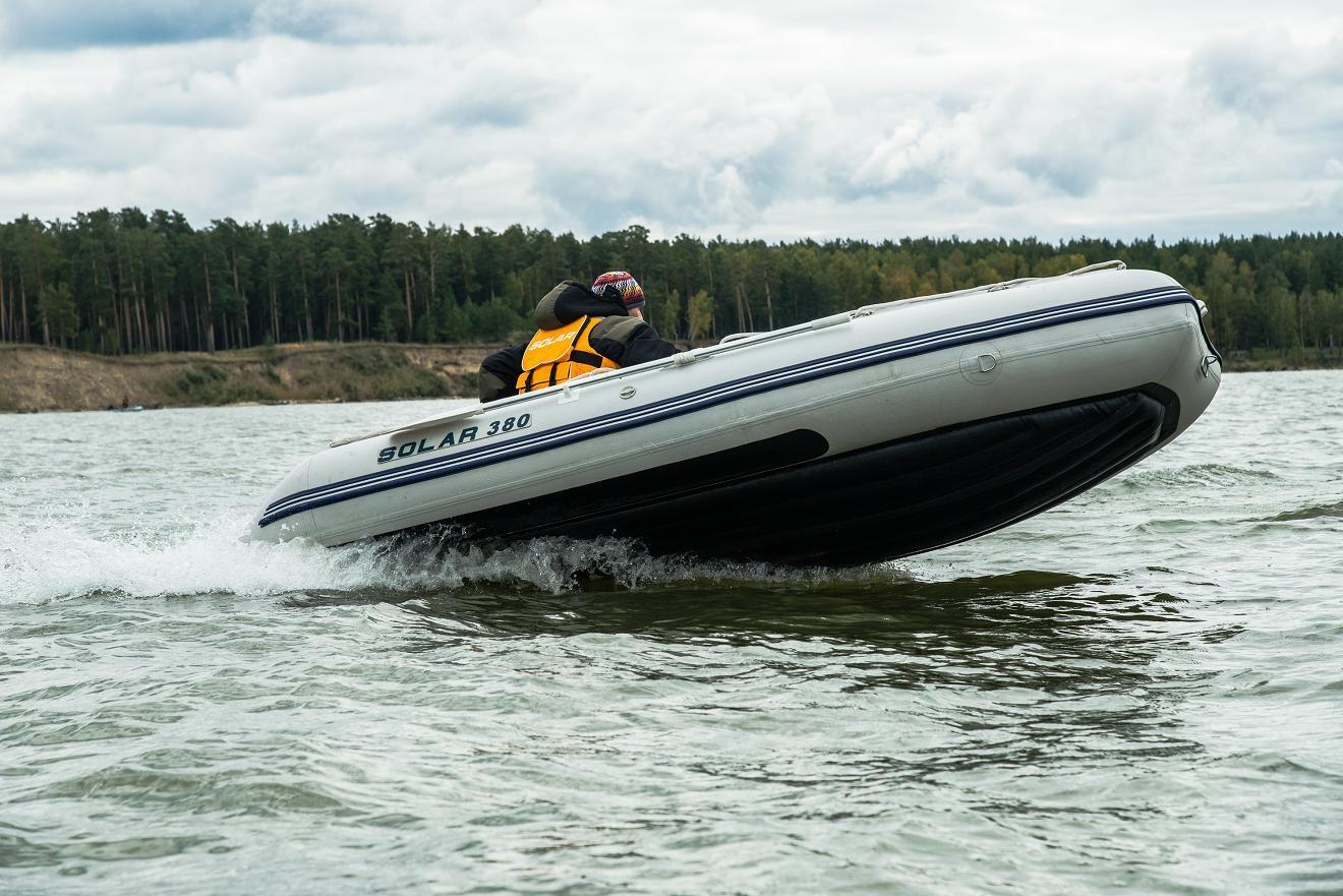 Моторная лодка Солар Оптима-380